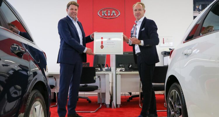 Kia-Top-Dealer-2021-VDNS-Hansen-Venray